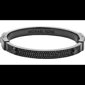Michael Kors Astor pavé Black Bangle